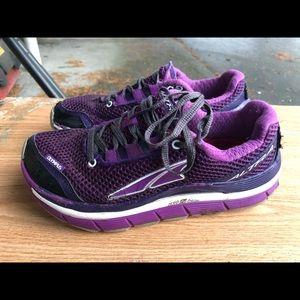 Altra Olymus A2355-2 Women's Purple White Sneakers